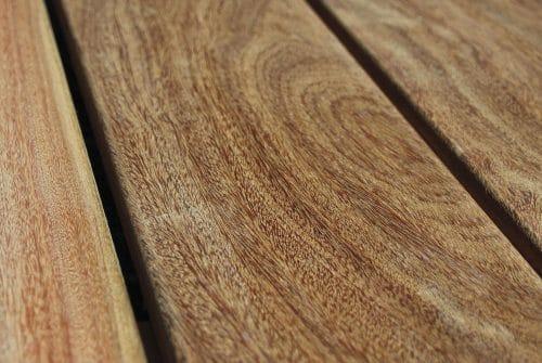 Où trouver des lames de terrasse en bois exotique pas chère ?